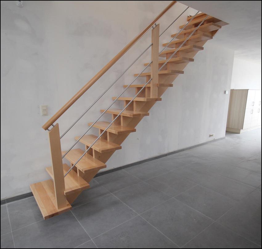 skbois faites monter votre escalier en bois par des professionnels. Black Bedroom Furniture Sets. Home Design Ideas